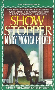 Show Stopper, Pulver, Mary Monica